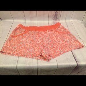 Women's Columbia PFG Shorts Medium
